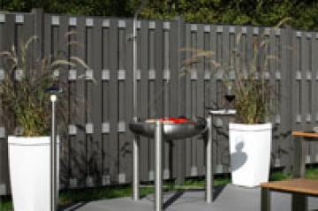 sichtschutz auenbereich fabulous moderner der serie seattle aus holz in der farbe anthrazit. Black Bedroom Furniture Sets. Home Design Ideas